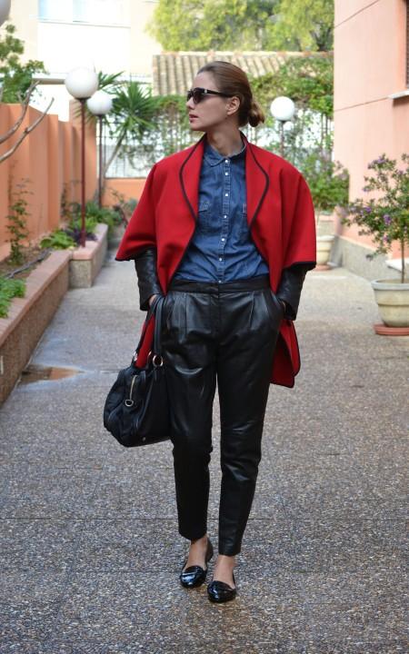 Ecobloggercristinacarrillo pantalones de cuero - capa roja 1
