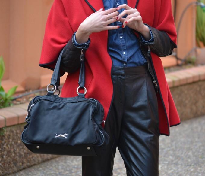 Ecobloggercristinacarrillo pantalones de cuero - capa roja 2